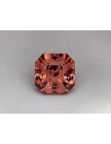 Imperial garnet 5.11 cts.