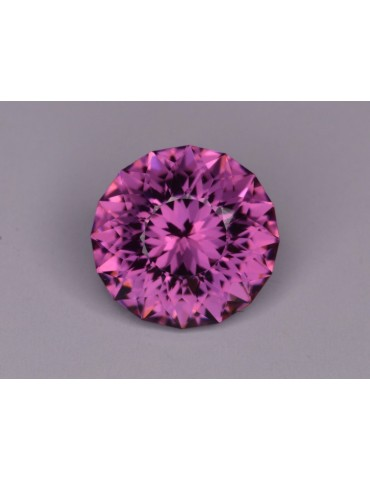Imperial garnet 2.24 cts